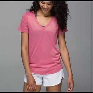 Lululemon what the sport magenta gold tee sz 4